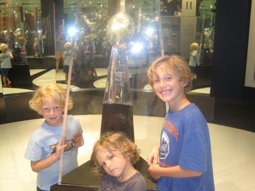 football hall of fame with kids carpoolcandy.com