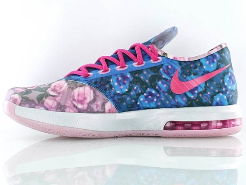 Nike KD VI Aunt Pearl shoes on carpoolcandy.com