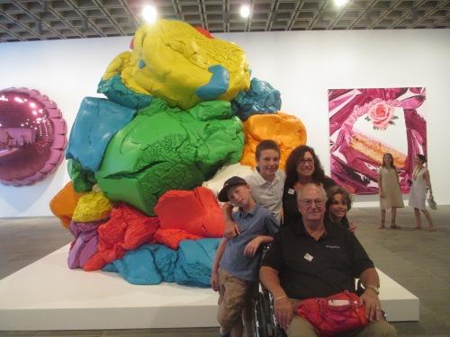 Jeff Koons exhibit on carpoolcandy.com