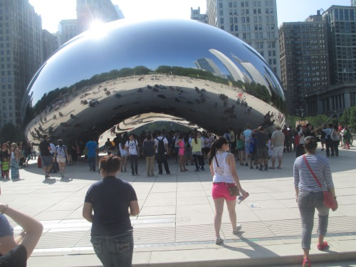 The bean sculpture in Millennium Park in Chicago on carpoolcandy.com