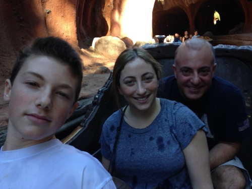 Splash Mountain at Disneyland on carpoolcandy.com