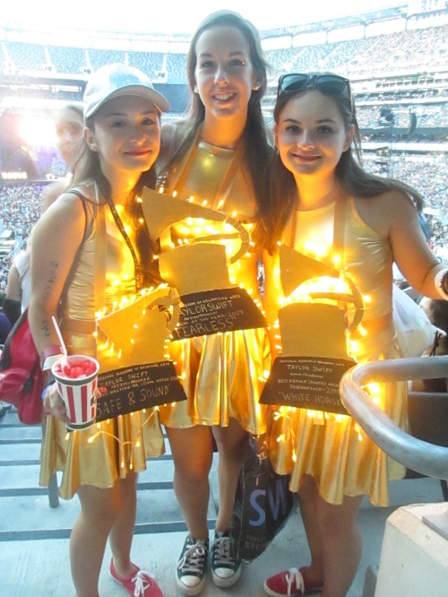 These girls were dressed as Grammys!