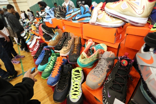 sneakercon on carpool candy.com holiday gift guide