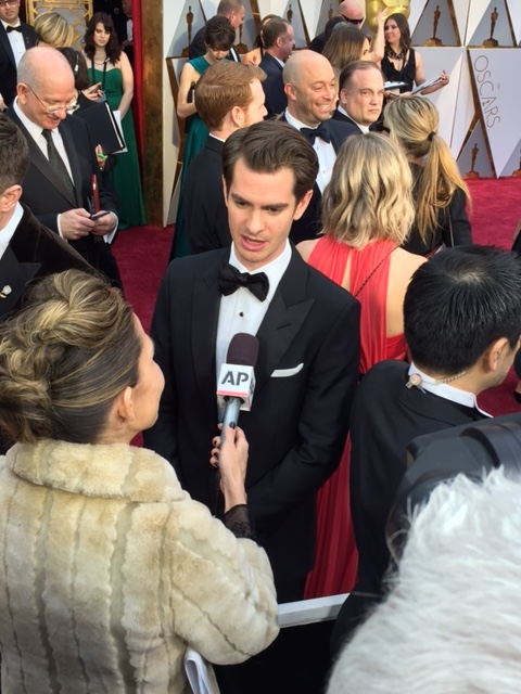 Andrew Garfield Oscars red carpet 2017